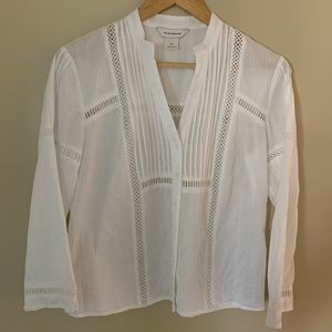 Club Monaco White Textured V-neck Shirt Small
